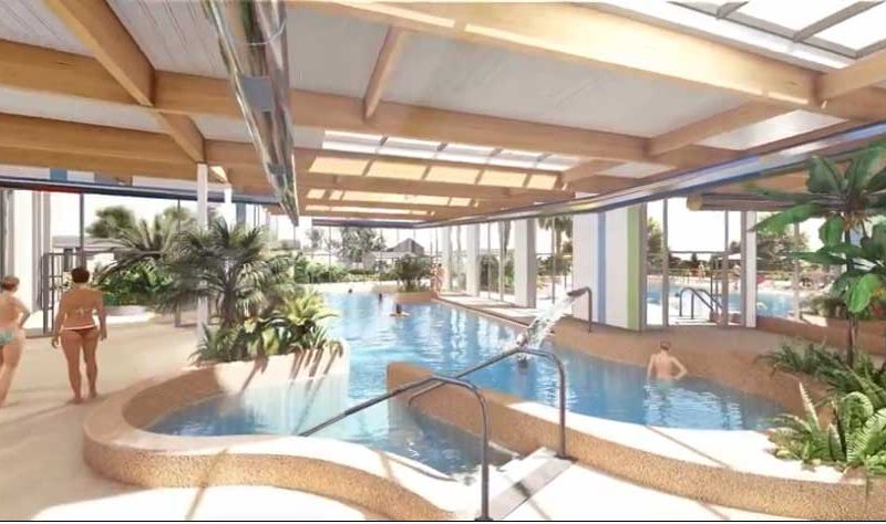 piscine chauffée couverte camping La Capricieuse